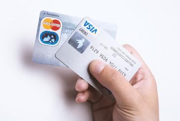 Q.クレジットカードで支払いはできますか?